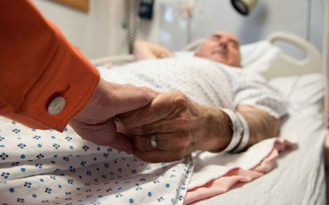Sörjande söker ofta tröst och hjälp från sin omgivning